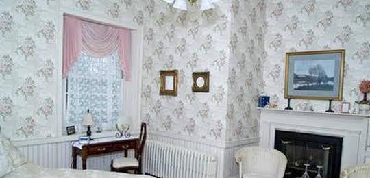 Brockamour Manor Bed and Breakfast