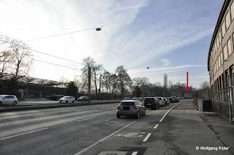 "Photo: Pragstraße B10, hinten die U-Bahn-Haltestelle ""Rosensteinpark"""