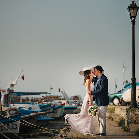 Wedding photographer Hristina Handzhieva (HristinaHandzhi). Photo of 06.07.2016