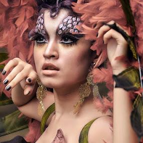 Merak..... by Endah Dian - People Fashion