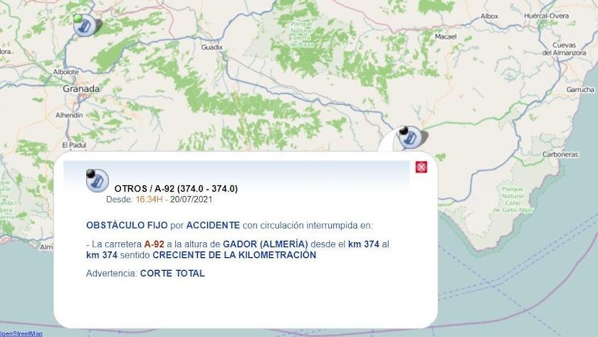 La DGT informa de los atascos en su página web.