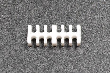 Kabelkam for 12 pins kabel, 2x6 Ø4mm spor, hvit