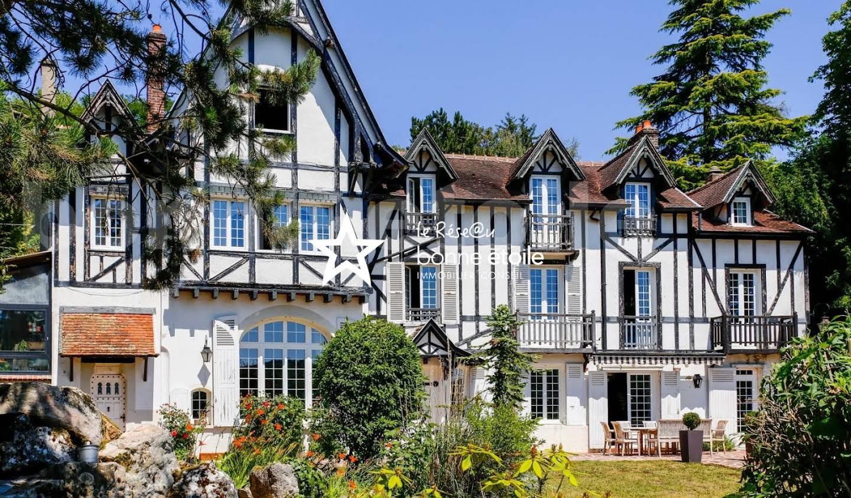 Villa avec piscine et terrasse La Ferté-sous-Jouarre
