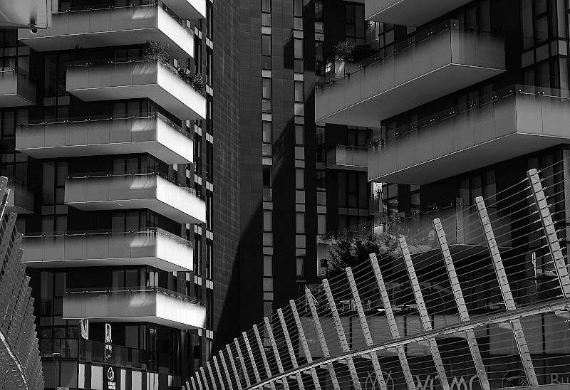 Verso piazza Alvar Aalto - Milano di nicoletta lindor
