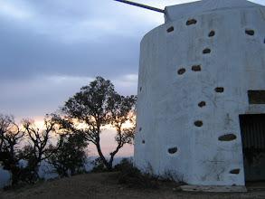 Photo: die Windmühle steht recht exponiert und es weht die ganze Nacht