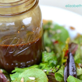 The Perfect Homemade Balsamic Vinaigrette Recipe – It's Easy!