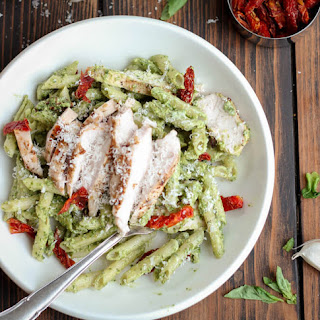 Creamy Pesto Pasta with Grilled Chicken and Sun-Dried Tomatoes
