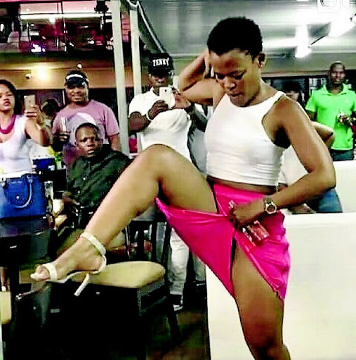 Zodwa Wabantu shows off new hairstyle in latest sexxy pics