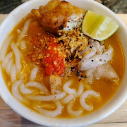 Banh Canh Cua (Thick rice noodle with crab meat)