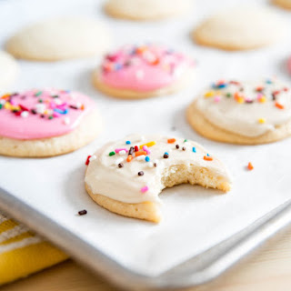 Lofthouse-Style Frosted Sugar Cookies Recipe