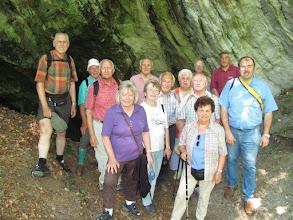 Photo: Mit dem Kräuter-Benno im Harly vor der Kräuter-August-Höhle