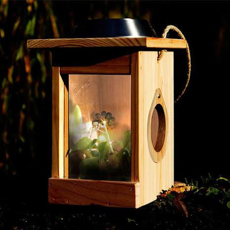 Mini Beast Centre med solcellslampa