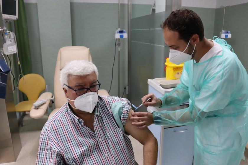 La vacuna llega al Hospital de Poniente