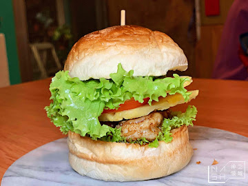 鹿馬漢堡&老派選物店(Loma' Burger&Vintage)