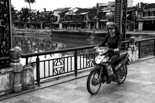 Vietnam il Paese dei motorini di stefano_angeli