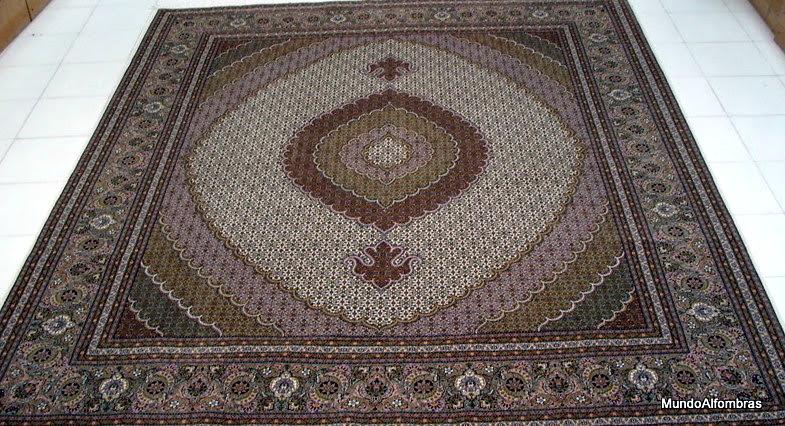 Photo: Tabriz lana con seda 350x250 Recursos adicionales:  Lavado, restauración y mantenimiento de alfombras artesanales persas por zurcidores y expertos de origen persa. Restauración y reconstrucción de cualquier daño en alfombras artesanales persas garantizada por zurcidores profesionales con más de 25 años de experiencia. Lavado y desmanchado de alfombras inundadas a su estado original. Restauramos ribetes, agujeros, tejidos, bordes, flecos, etc.etc.   Dirección en las Mercedes, Final calle parís, entre calle Cali y Veracruz, Caracas. Al pasar calle Cali, la tercera quinta a mano derecha. Al lado tienda: Decolamparas. Punto de referencia: restaurante pollo Rivera, al pasar pollo Rivera la tercera quinta a mano derecha. Teléfonos: 0212-9920409 - 0212-9920409 - 0212-8879880 - 0212-8311574 Paginas web: http://www.mundoalfombras.com Correo electrónico: info@mundoalfombras.com
