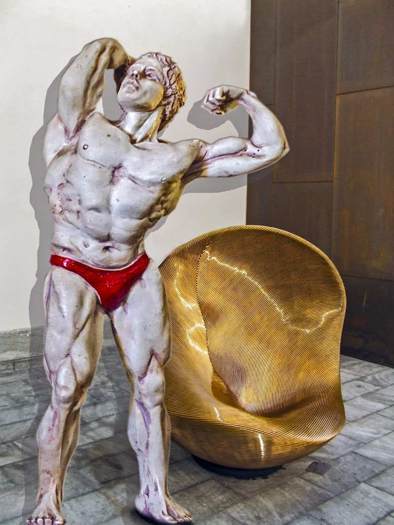 Ercole e la seggiola dorata di lugiube