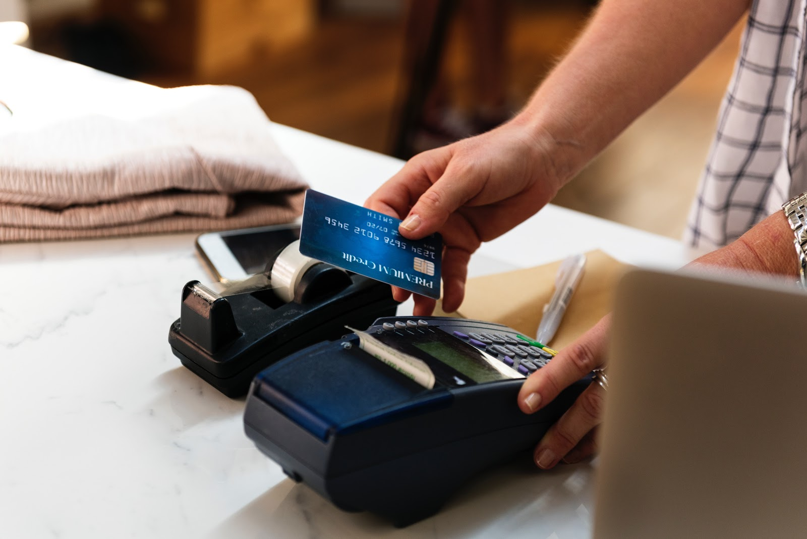 7 Reasons Why Credit Cards Are Good