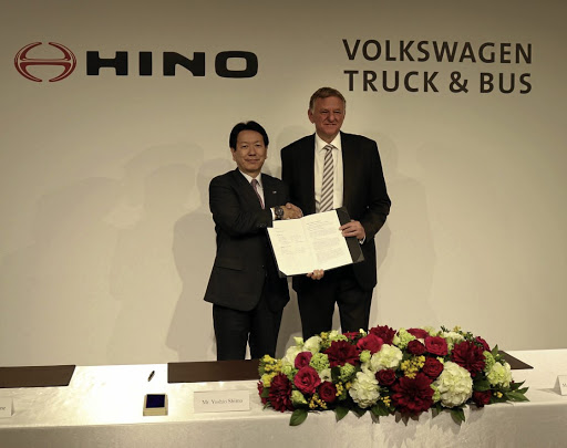 Yoshio Shimo, president and CEO of Hino Motors, left, and Andreas Renschler, member of the board of management of Volkswagen and CEO of Volkswagen Truck and Bus, announce the partnership. Picture: VOLKSWAGEN COMMERCIAL VEHICLES