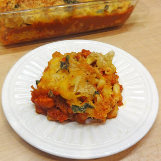 Baked Macaroni and Cheese with Tomato Sauce