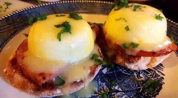 Easy Healthier Eggs Benedict