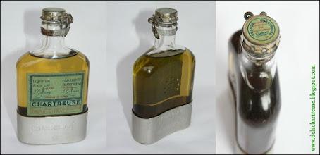 Photo: Vieille flask de liqueur Verte des années 1950, une belle pièce !