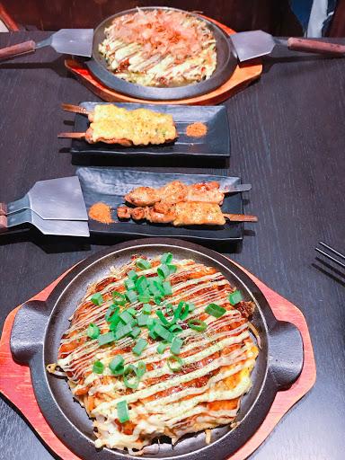 吃了大阪燒及廣島燒 好吃~價位200~280左右 可以嚐鮮一下!好吃😋 明太子雞很推薦!