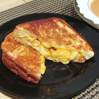 GRILLED MAC & CHEESE SANDWICHES