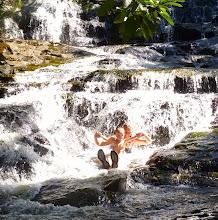 Photo: Gina en la cascada
