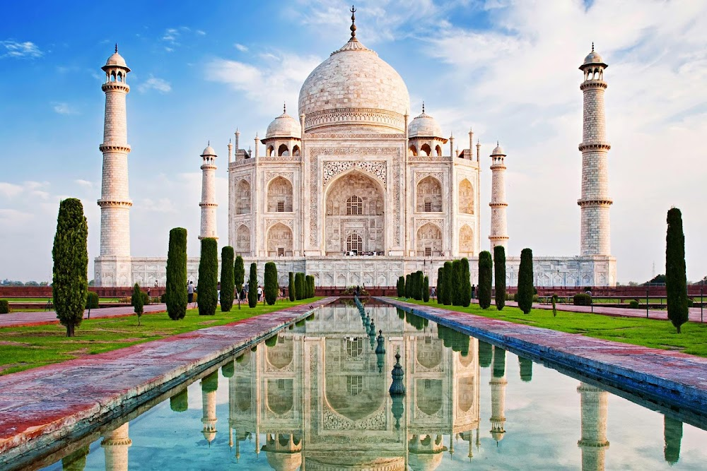 Taj_Mahal_In_Feb