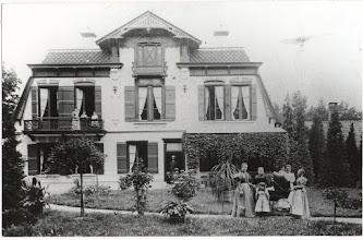 Photo: 1897 Huize Heilaar na de verbouwing , waarbij een verdieping aan het huis werd toegevoegd