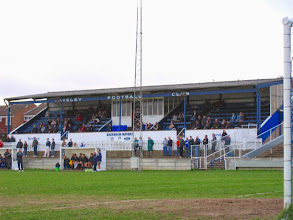 Photo: 25/03/05 v East Thurrock United (Southern League Division1 East) - contributed by Leon Gladwell