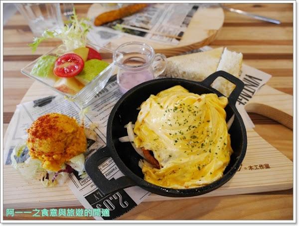 高雄貓餐廳 描Cafe X 屋 Brunch 早午餐/下午茶 捷運中央公園站美食~可愛貓公關相伴,享受愉快午後時光