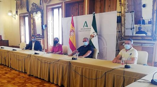 La Delegada del Gobierno felicita al CD El Ejido por los ascensos.