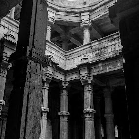 Architecture is a visual art, and the buildings speak for themselves. by Jay Thakore - Black & White Buildings & Architecture ( #architecture #details #ancientarchitecture #architecturephotography #design #champaner #gujarat #india #canon #canon700d #canonasia #canonindia #iphone #iphone5s #photography #pixotoregular #photographyregular )