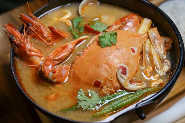 新推出!暖呼呼泰式螃蟹鍋~週末來聽駐唱吧!-小義樓Kitchen
