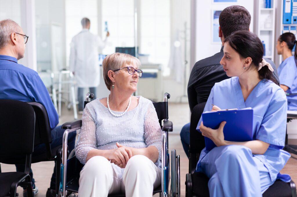 Điều dưỡng viên ở Đức giống như một người bạn với bệnh nhân mà mình chăm sóc
