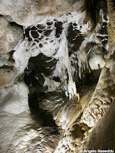 Photo: Aragonite e Barite, Grotta di Santa Barbara
