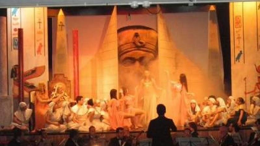 Imagen del musical La Corte del Faraón que se representa el domingo en Adra