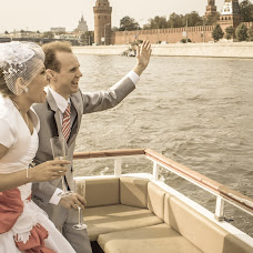 Wedding photographer Vladislav Seleznev (VladSeleznev). Photo of 11.05.2015
