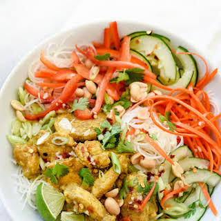 Vietnamese Curry Chicken and Rice Noodle Salad Bowl.