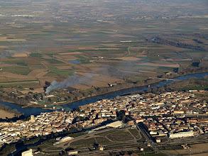 Photo: Gallur, y el río Ebro. Estamos metidos pleno valle, con el cierzo (aunque suave) haciéndonos derivar al Sur.