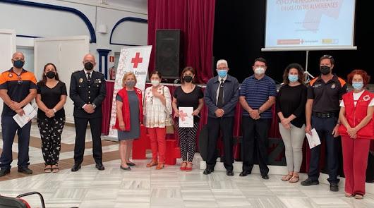 Cruz Roja forma a agentes, sanitarios y profesionales en la atención humanitaria