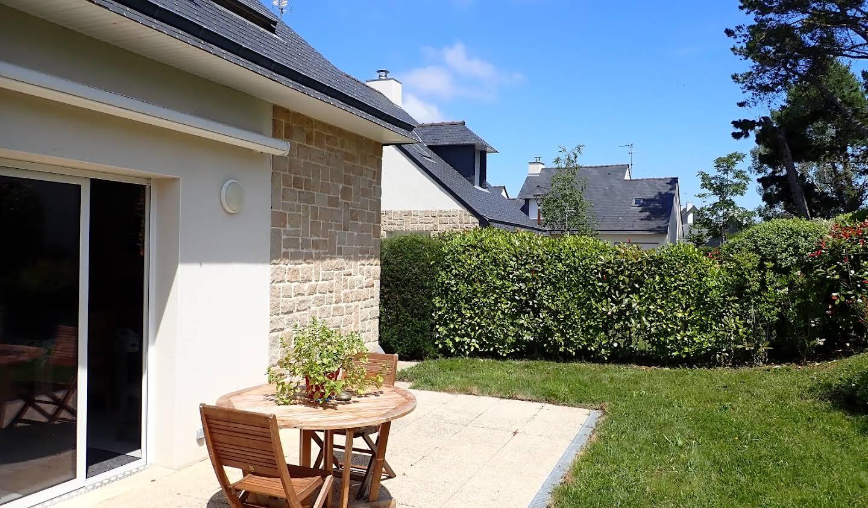 Maison contemporaine en bord de mer avec jardin Carnac