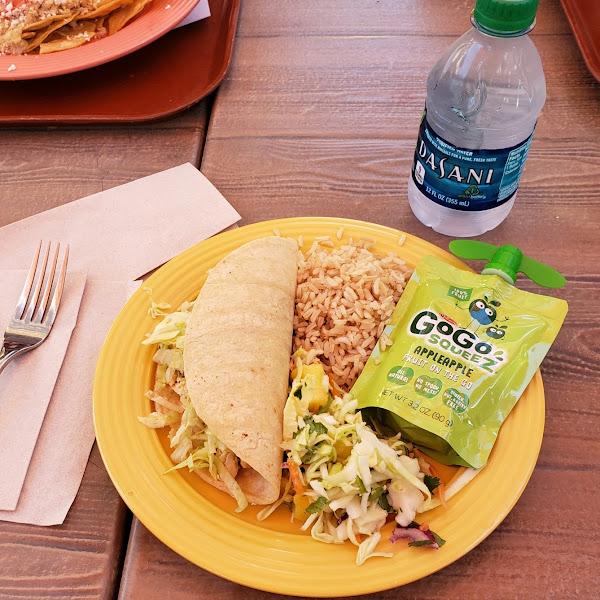 Kid's Chicken Taco meal w/pineapple slaw