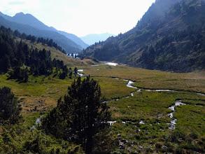 Photo: L'area delle marcite percorsa dal torrente des Bésines: in fondo si intravede il Lac omonimo, 1973m.