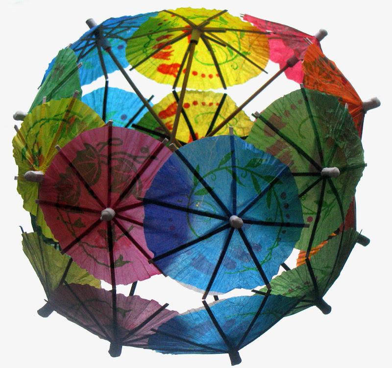 Playing umbrellas di Elisabetta Di Girolamo