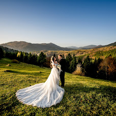 Wedding photographer Andrіy Opir (bigfan). Photo of 21.01.2019
