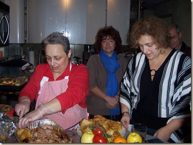 Thanksgiving2007 anna and mama cook