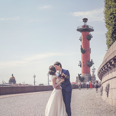 Wedding photographer Valeriy Smirnov (valerismirnov). Photo of 02.02.2016
